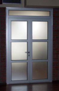 Пластиковые двери 17